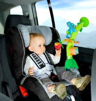 jouets-pour-les-enfants-dans-la-voiture-2