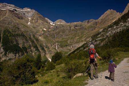 enfant vacances pyrenees